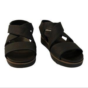 Dr. Scholls Women Black Sporty Platform Sandal
